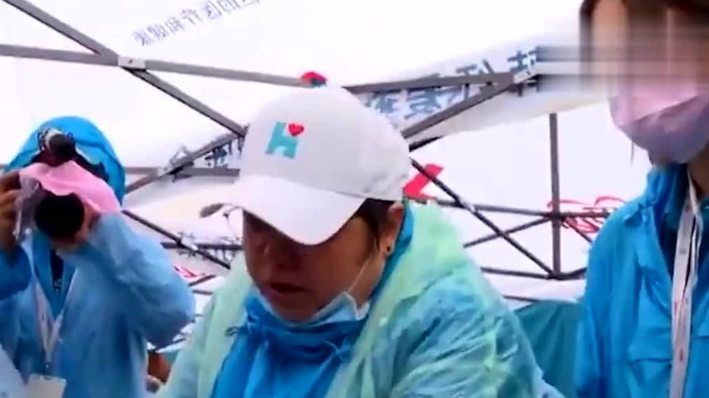 韩红低调做慈善近20年!却被质疑捐款数额曝光,后网友真能装