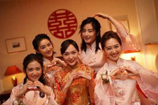 有种友谊叫婚礼伴娘,陈妍希6个,唐嫣4个,杨幂只有1个
