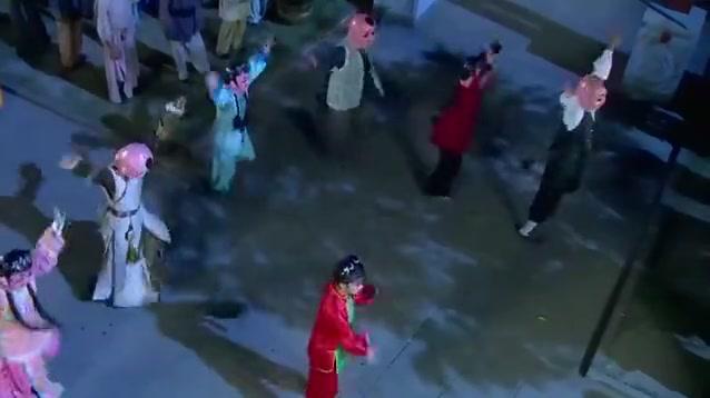 新还珠格格:小燕子为了迎接包场贵宾,准备了表演却看哭了皇上