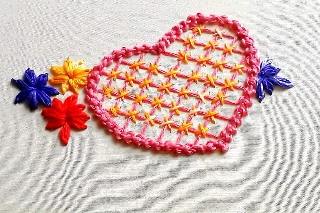 手工绣花初级篇,看看如何在衣物上刺绣爱心图案,简单又漂亮!