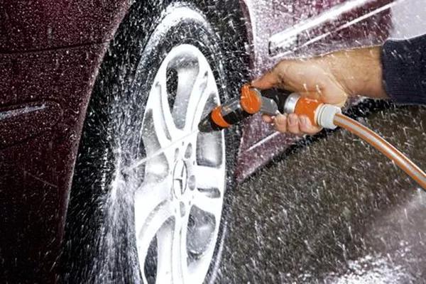 爱车技巧:掌握这3点,洗车钱省2/3、座驾每日光亮如新!