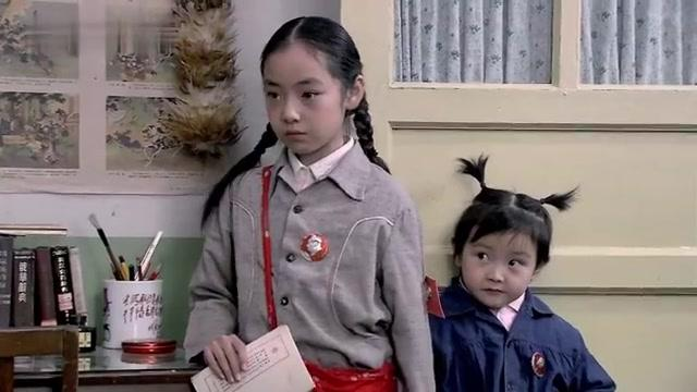金婚:佟志一家人带着三个闺女上学,三个闺女都特别听话