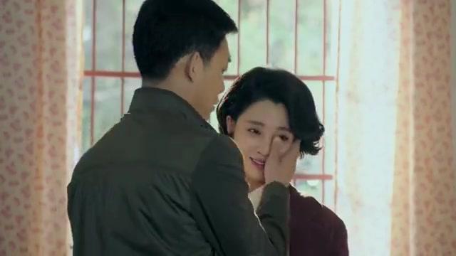 鸡毛飞上天:陈江河夫妇回到店里,在商店里遇见了收债人
