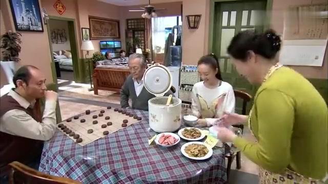 婆婆找小曼要伙食费,没想小曼手段更狠,直接卷铺盖出去住