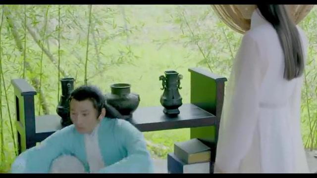 《妖凤云城》精彩片段,凝霜得知自己身世,惊慌失措