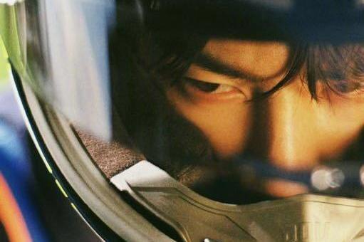 王一博被曝头盔内痛哭后换头像,不为人知一面告诉你这才是他真爱