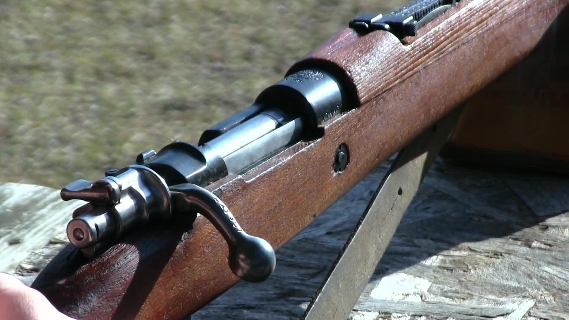南斯拉夫M48毛瑟步枪户外靶场射击测试它是98K的同型枪