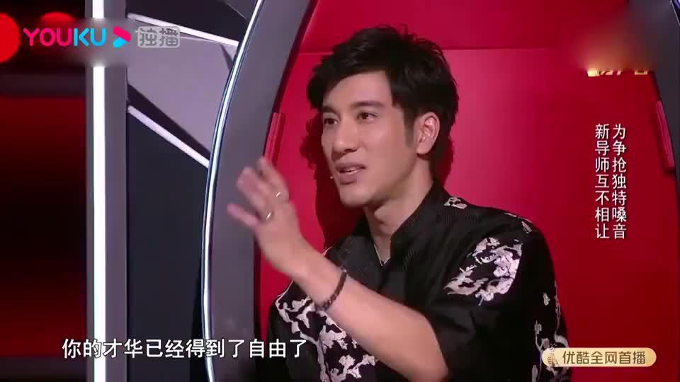 2019中国好声音火星女孩唱《李白》只一句李荣浩就激动了