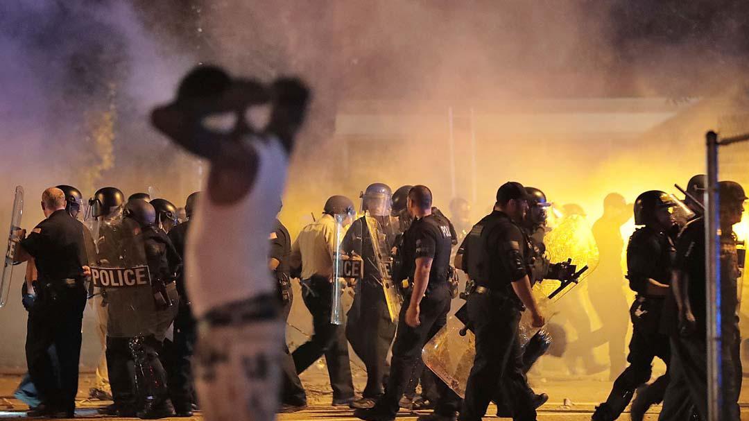法警枪杀黑人,美国孟菲斯市发生暴力冲突
