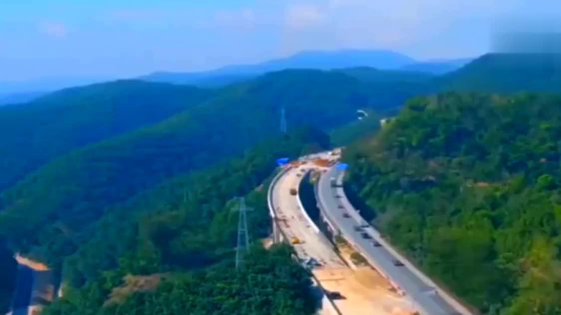 外国人震惊,中国人骄傲!广西这条公路,被称之为仙境第一高速