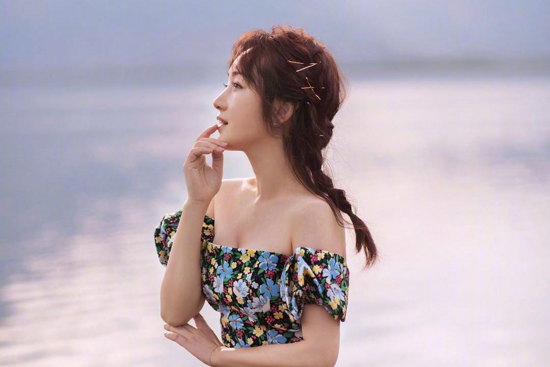 圆脸女孩如何选发型?学杨钰莹的七款减龄发型,好看又显脸小