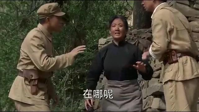 军人冒充战友认瞎眼老太为母亲,不料屋里还有漂亮媳妇