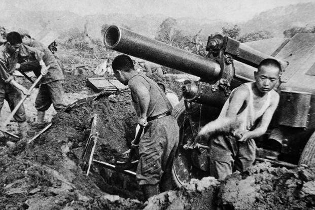 连长11次冲击越军高地,宋时轮质问:知不知道,子弹能打死人?
