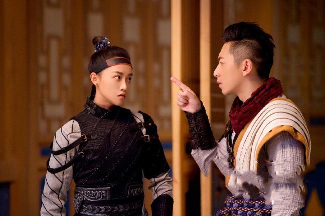 蓝盈莹武侠剧《欢乐英雄》,首次挑战男装,搭档《爱情公寓》的他