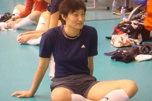 喜讯!中国女排又一奥运冠军加盟教练组,她或成郎导头号接班人