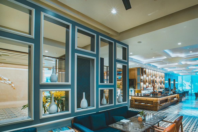 成都棕榈泉费尔蒙酒店的自助餐厅设计风格挺好看,拍照胜地