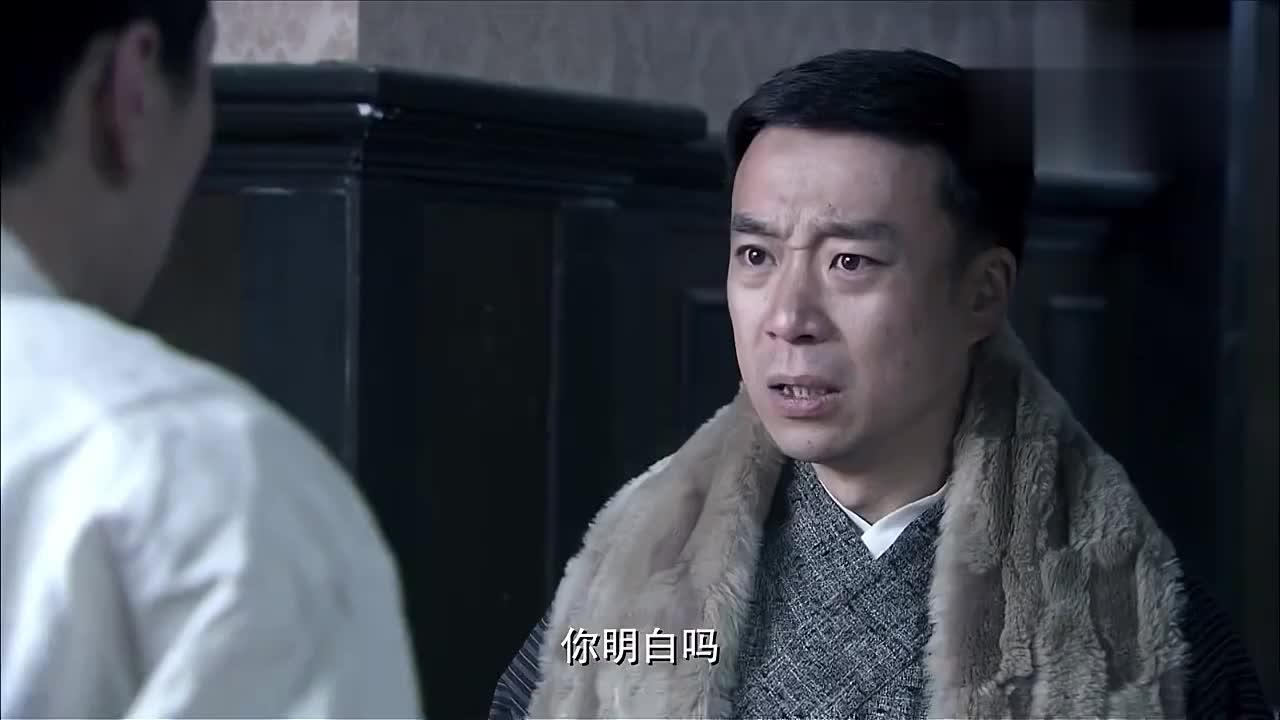 日本科学家去女友家约会不料看到女友被将军欺负他却不敢开枪