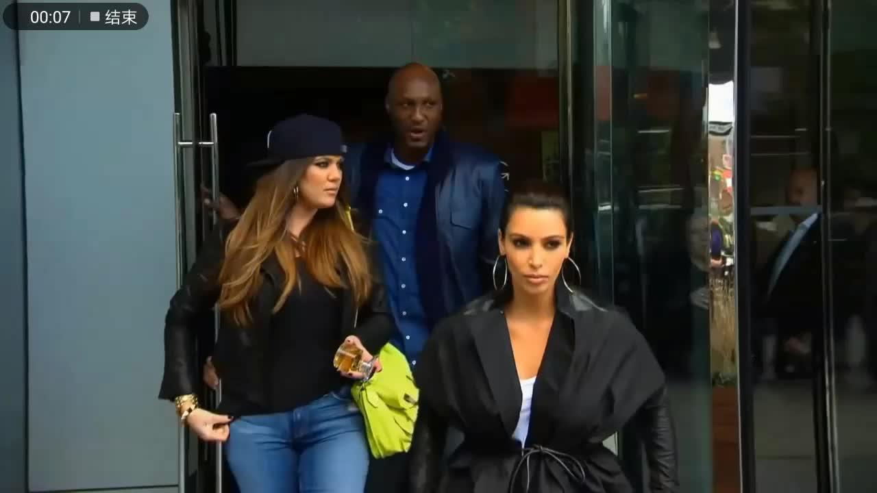 卡戴珊姐妹和NBA球星奥多姆逛纽约,三人同行真是太拉风了