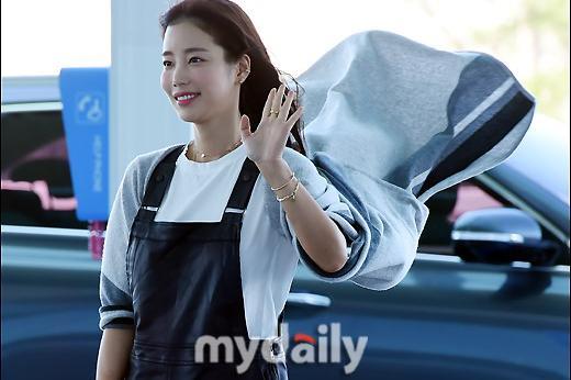 韩国女艺人奇恩世飞往意大利出席时装秀