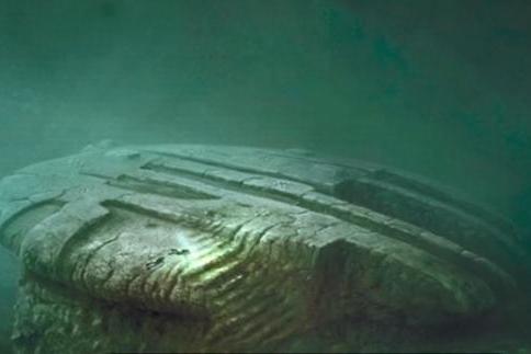 欧洲海底异物,疑似坠毁的UFO