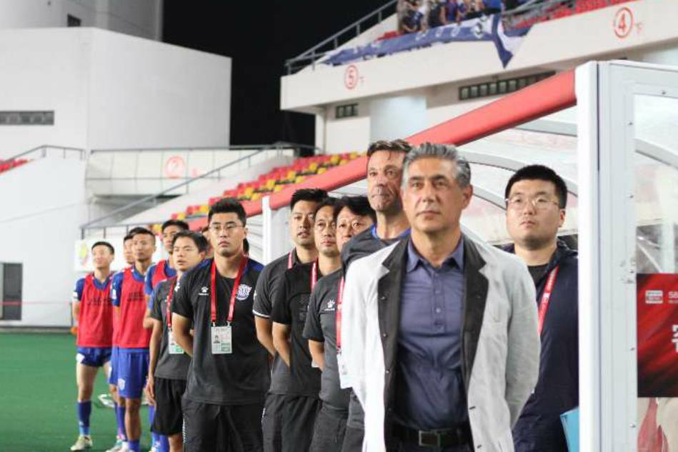 中甲第19轮石家庄永昌客场2:0上海申鑫,马修斯一人打进两球