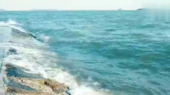福建厦门、这个海滩是必来之地、人多热闹海水也蓝、风景真的美!