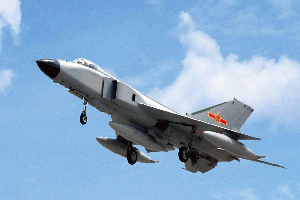 米格31首次在2万米高空演习,其实歼8也能做到,或成反导拦截机?