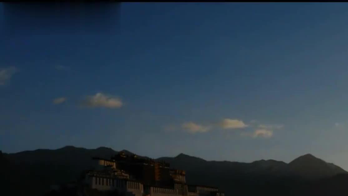 布达拉宫建造时用了32吨黄金,藏民却说:黄金在这里是最不值钱的