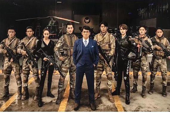 成龙+杨洋朱正廷的《急先锋》,终于有成龙电影内味了