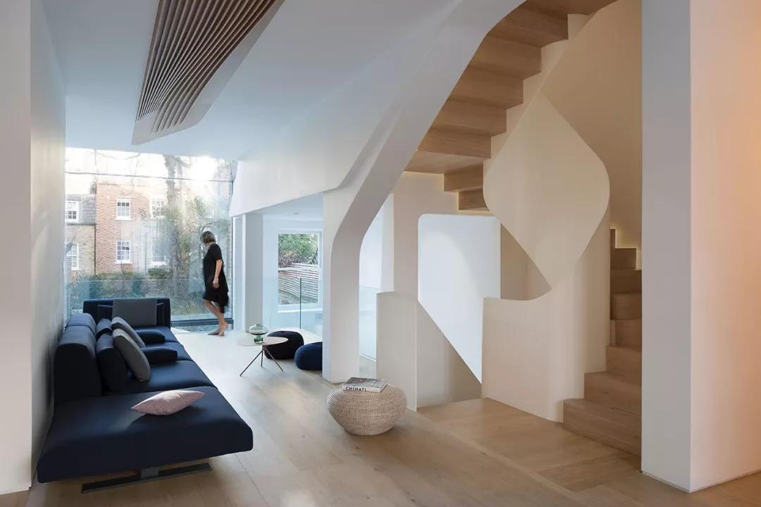 装修公司案例|老房改造,简约设计+天窗,完美解决采光问题!