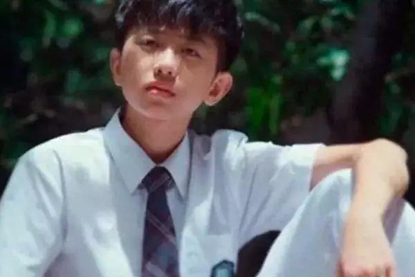 蔡徐坤的多重身份被扒,除了歌手之外,这个身份在娱乐圈没几人!