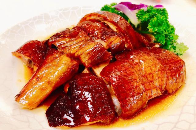 在广州吃烧鹅,为什么郊区餐馆的烧鹅出品比市区的要好吃得多?