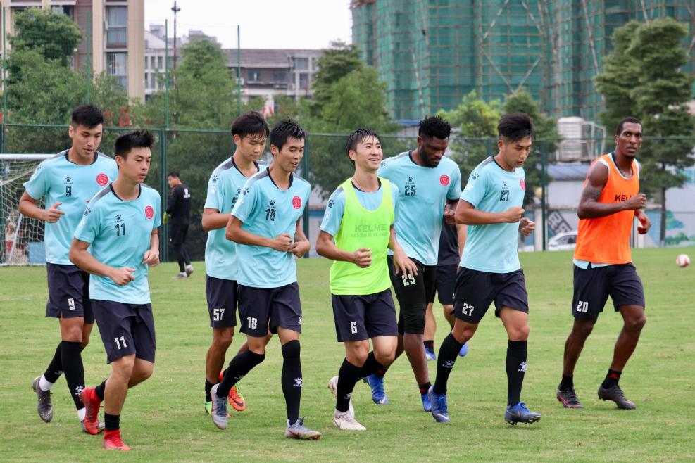 川足球员积极备战中甲联赛,中甲第25轮四川FC客场对阵贵州恒丰