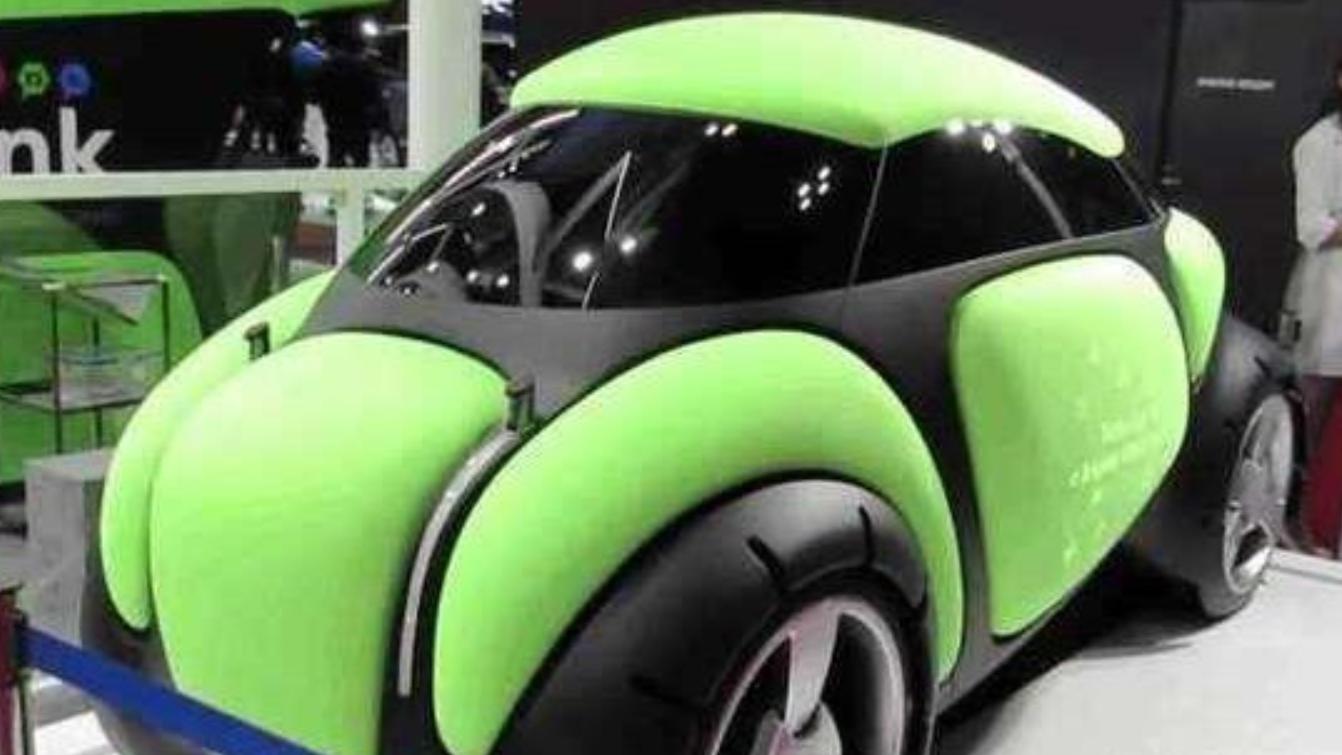 人类未来将不怕车祸?日本发明橡胶汽车,可以变形反弹