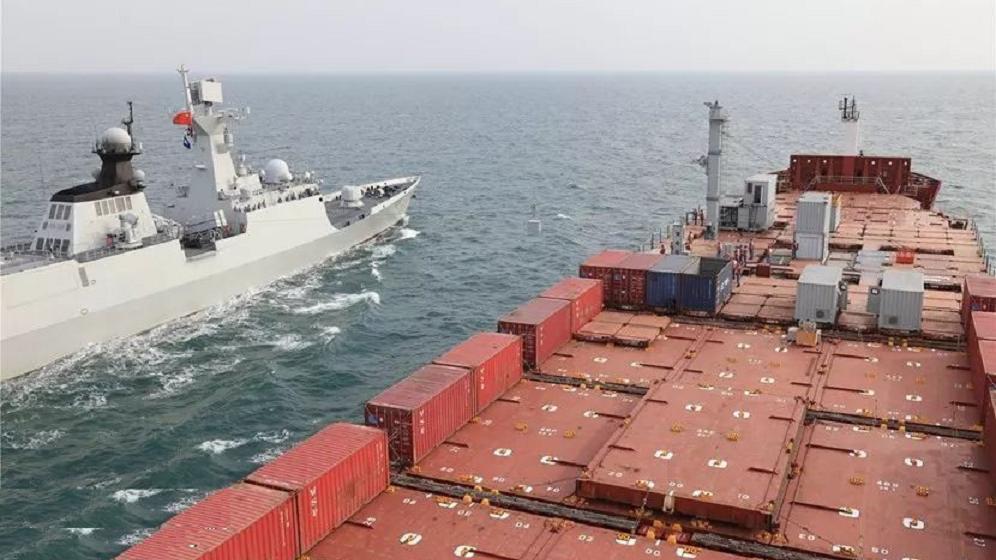 重大突破,中国海军首次应用民船加装模块化航行横向补给系统