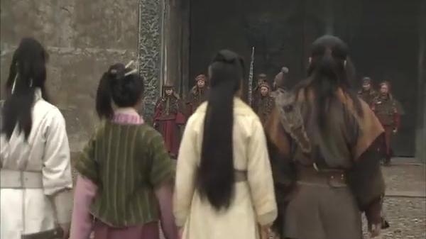 书剑情侠柳三变:西夏守军认为三变是奸细,虫虫演戏蒙混过关