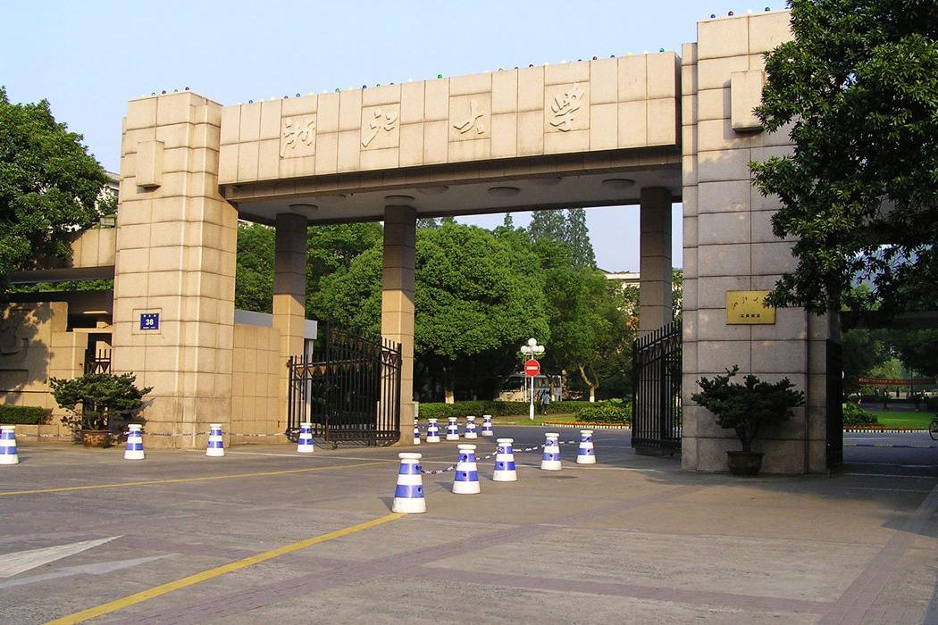 中国医科第一梯队上海中医药大学,第二梯队有3所,第三梯队10所