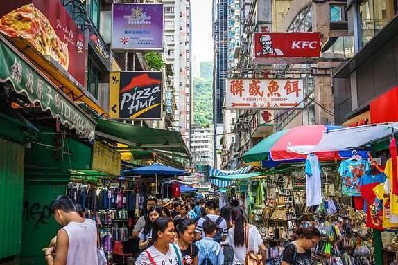 世界生活成本最贵城市,月薪一万勉强生活,你的工资够活几天?