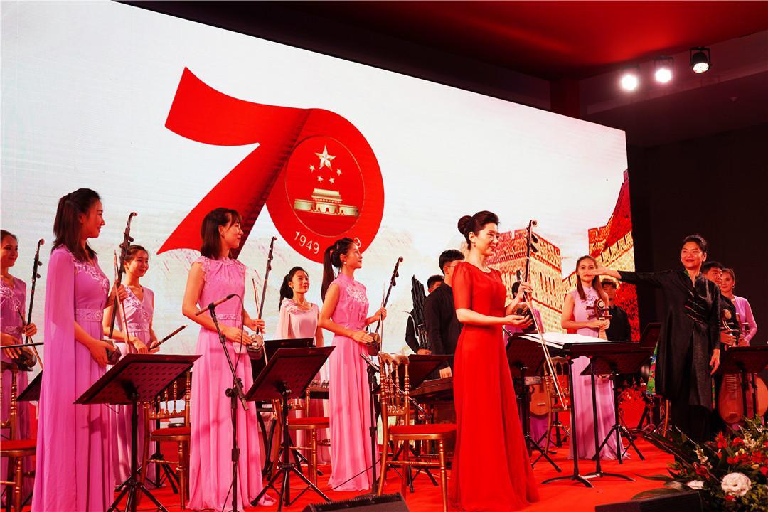 """""""万里共婵娟 中央音乐学院民族室内乐团音乐会""""在巴西利亚奏响"""