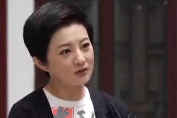 """39岁""""小婉君""""金铭近照曝光,成立儿童剧团培养童星"""