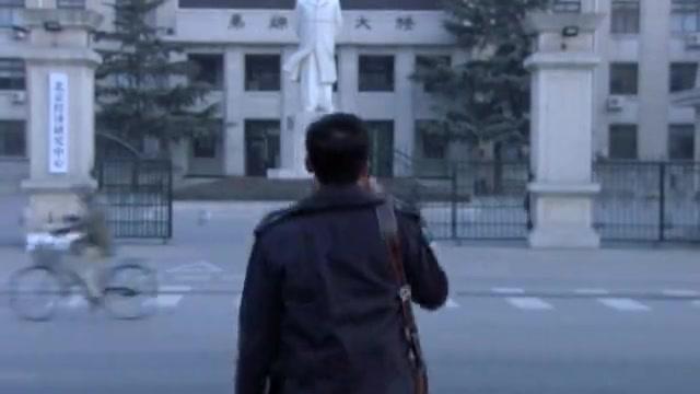 北京青年:权筝把婚戒锁住,何东还是一如既往的上班
