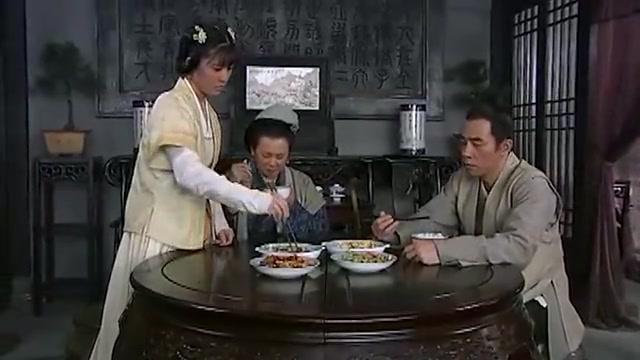 碧波仙子:县令被盐粒硌牙,谁知因此想到破案的方法,真是机智!