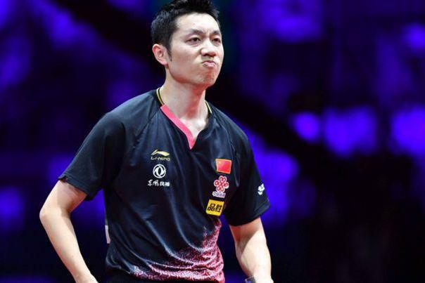 国乒两大金左手对轰,世界冠军将球打飞苦笑,王楚钦已具奥运潜质