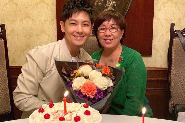 林志颖晒照庆45岁生日,与69岁妈妈似姐弟,何炅送祝福直喊偶像