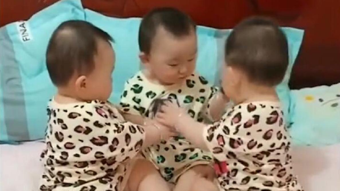 三胞胎打架,虽然谁也干不过谁,但气势上却不能输,看完别笑