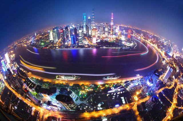 中国去年入境游客1.4亿,老外被中国发达程度吓到,表示不想走了