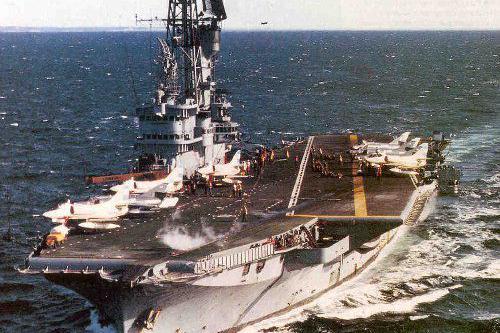 马岛战争阿根廷空军神勇,最后被海军坑惨,航母龟缩港口不敢出战