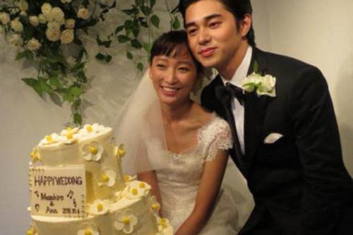 日本知名男星被曝出轨未成年,老婆身世凄凉惹人心疼