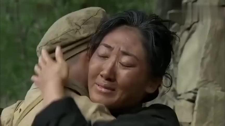 战友牺牲军人冒充战友认瞎眼老太为母亲不料屋里还有漂亮媳妇