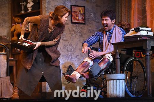 安在旭等艺人出席音乐剧《危情十日》首演
